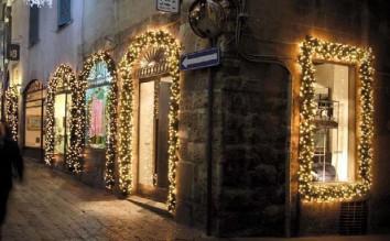 Noleggio addobbi natalizi ghirlande verdi con lucine - Addobbi natalizi per esterno ...