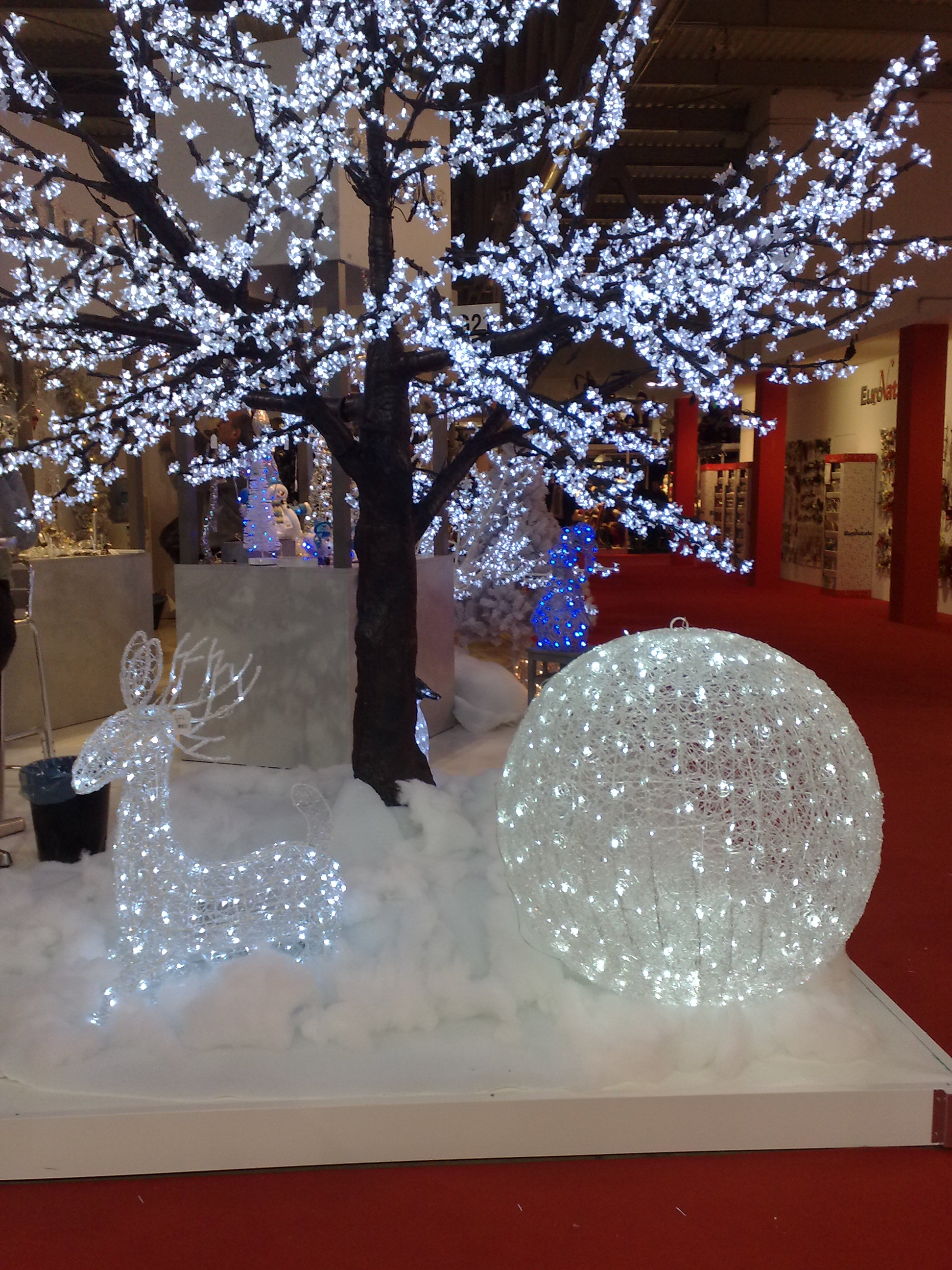 Addobbi Natalizi Luminosi.Noleggio Addobbi Natalizi Soggetti Luminosi Speciale Natale A Milano