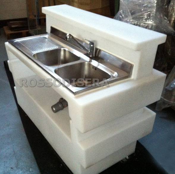 Tetris bar counter with sink rental in milan italy for Porta quotidiani per bar