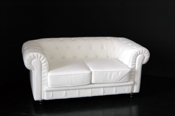 Noleggio arredi lounge divano chesterfield a milano for Noleggio arredi milano