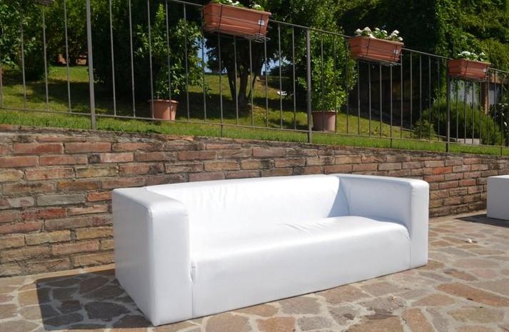 Noleggio arredi lounge divano roma lounge a milano for Noleggio arredi milano